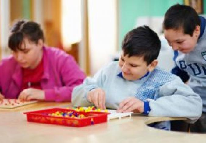 Kids-with-disabilities-work-at-cognitive-tasks-000039055834_Medium_preview